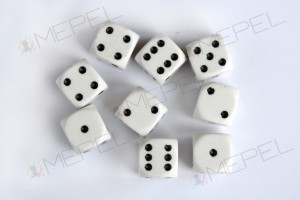 Kości Chessex - kostka k6 12mm Opaque White/black